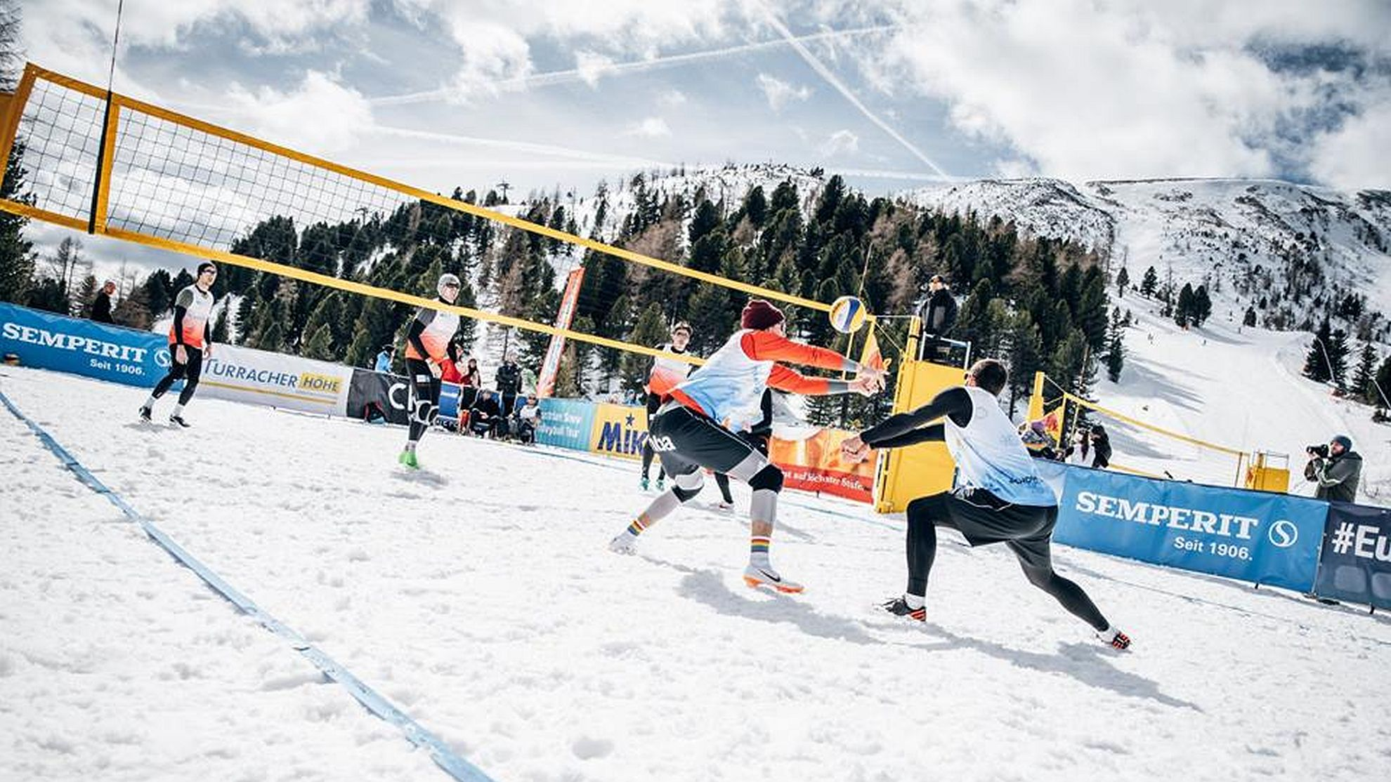 FOTO © Österreichische Snow Volleyball-Meisterschaften