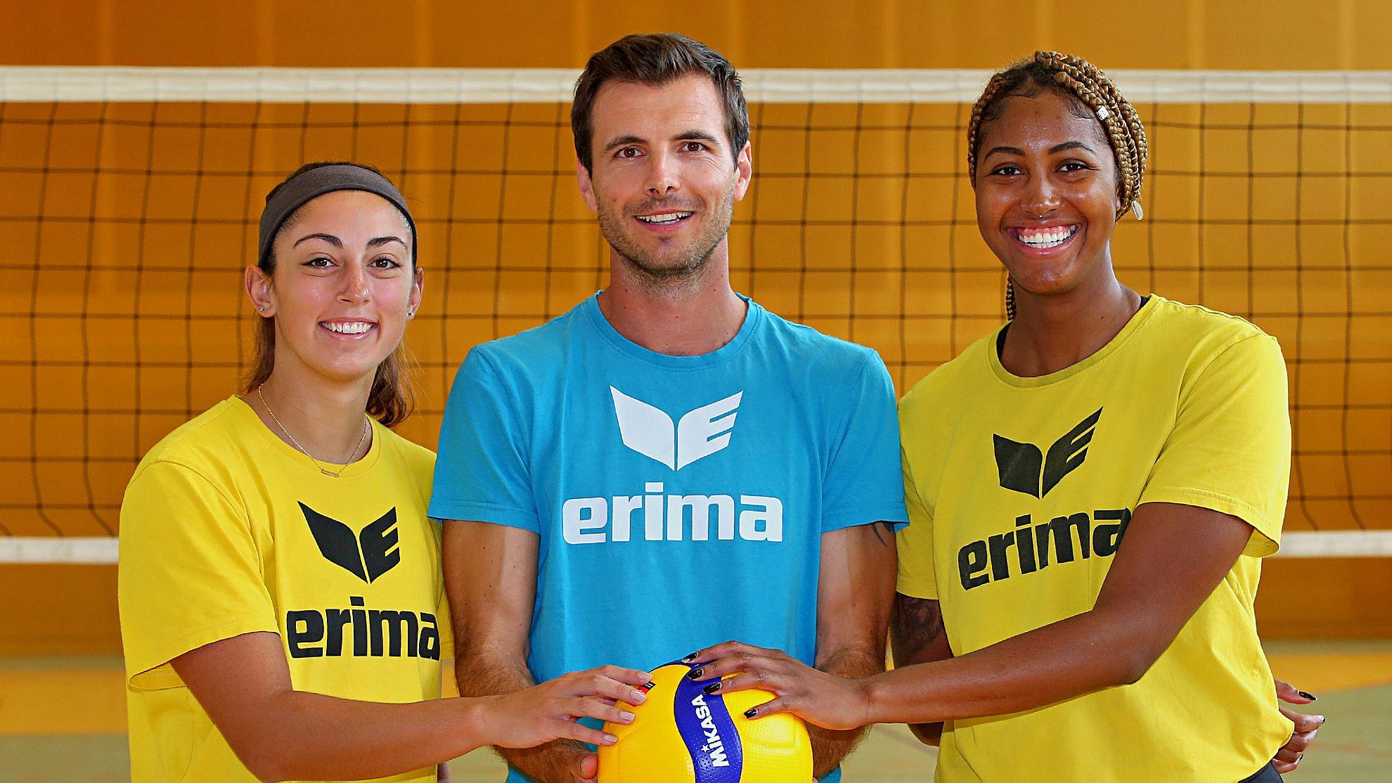 Linz-Steg-Trainer Roland Schwab mit Nicole Lott und Taylor Alexander - FOTO © PHOTO PLOHE